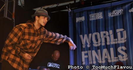 UK BBoy Championships 2011 World Finals - Greenteck popping