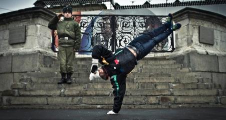 Red-Bull-BC-One-2011-Russia-steps-Thijn-van-der-Linden